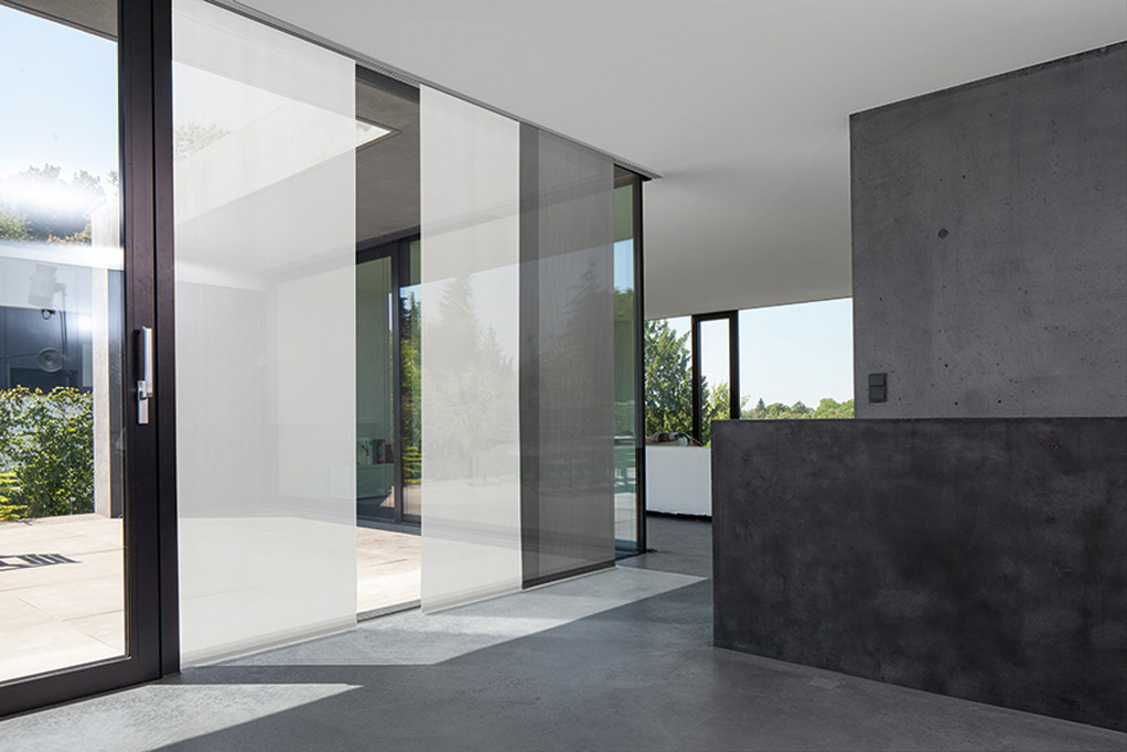 sichtschutz sonnenschutz raumausstatter polsterei. Black Bedroom Furniture Sets. Home Design Ideas